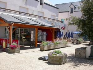 Cafe Place St Michel A Quimperle